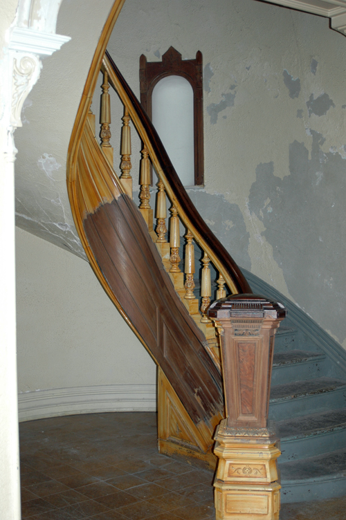 beautiful staircase woodwork